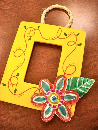 Tin flower frame