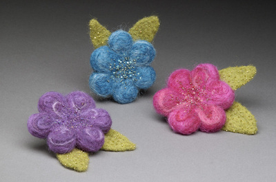 Flower_brooches